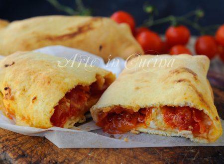 Scacce siciliane con mozzarella e pomodoro