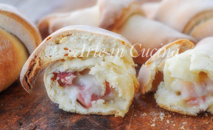 Cornetti veloci alla ricotta con formaggi e salumi
