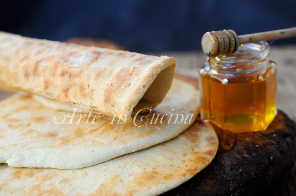 Piadina al miele ricetta facile e veloce vickyart arte in cucina
