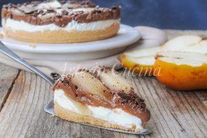 Torta di biscotti con crema pasticcera ricotta e pere