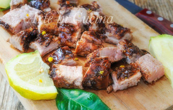 Filetto di maiale al forno marinato con spezie