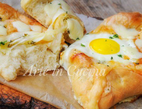 Khachapuri barchette di pane uovo e formaggio veloci