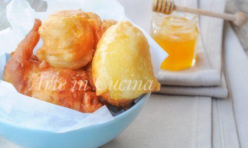 Loukoumades zeppoline dolci al miele ricetta greca