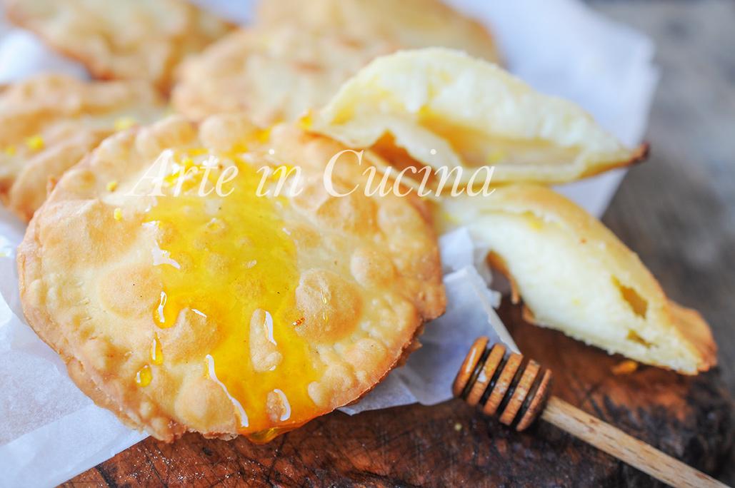 Seadas o sebadas dolci sardi ricetta tipica arte in cucina for Ricette dolci sardi