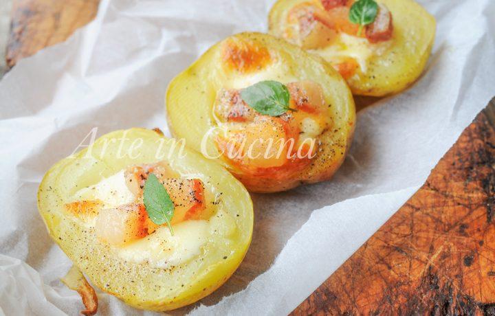 Barchette di patate ripiene con provola e pancetta