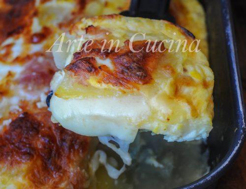 Lasagna di patate e prosciutto con crema al latte