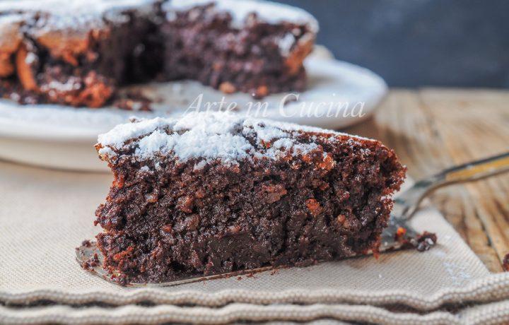 Torta cioccolato e mandorle cremosa e veloce