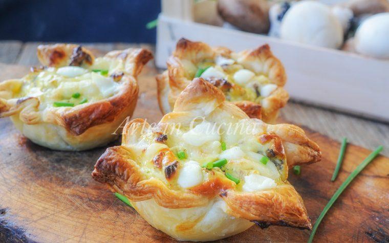 Tortini di sfoglia formaggio e funghi ricetta veloce