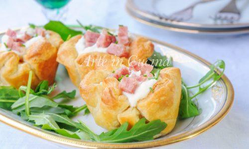 Cestini di sfoglia con cotechino e vellutata di patate