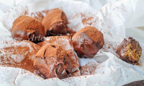 Praline al pandoro con nutella mandorle e cioccolato
