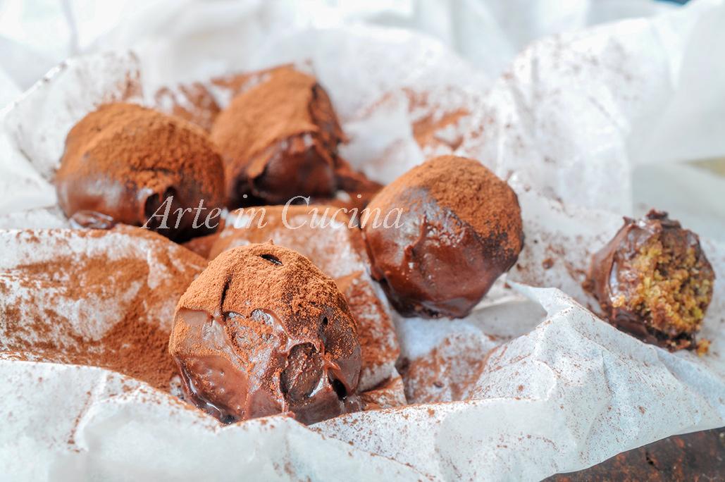 Praline al pandoro con nutella mandorle e cioccolato vickyart arte in cucina