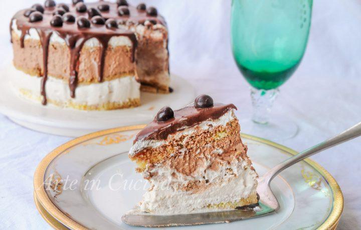 Torta veloce doppio cioccolato e caffè morbida e cremosa