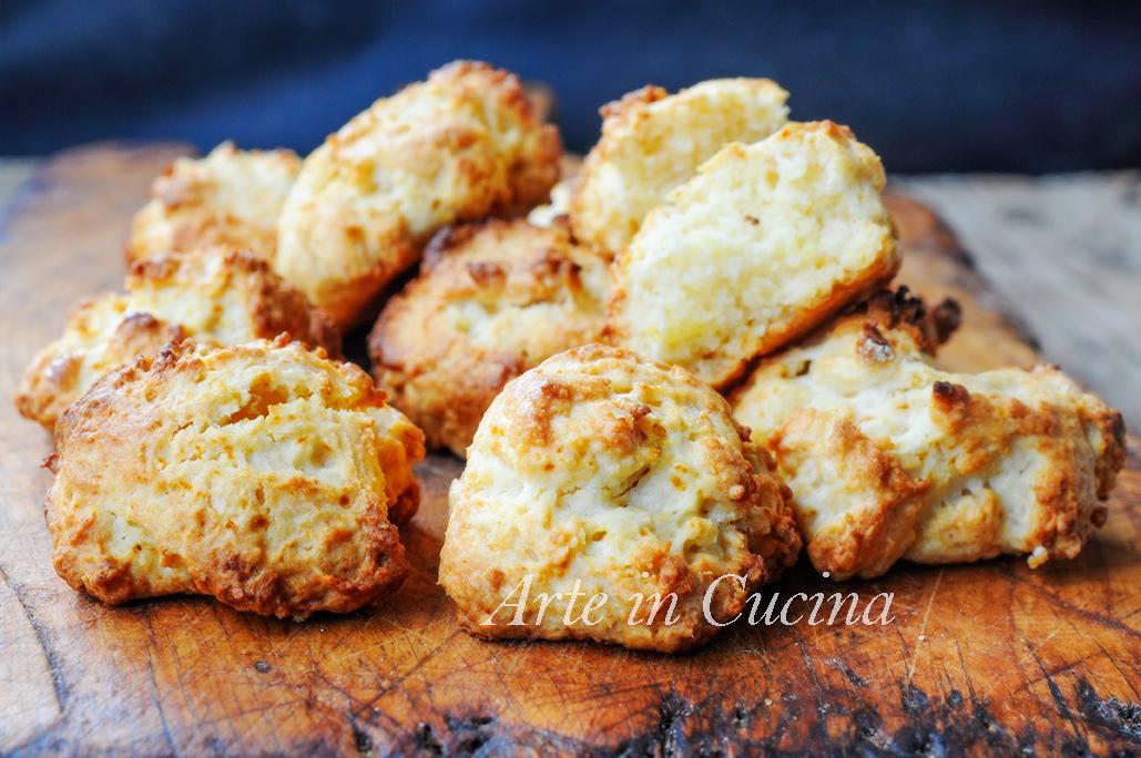 Biscotti ricotta e miele veloci senza burro e olio