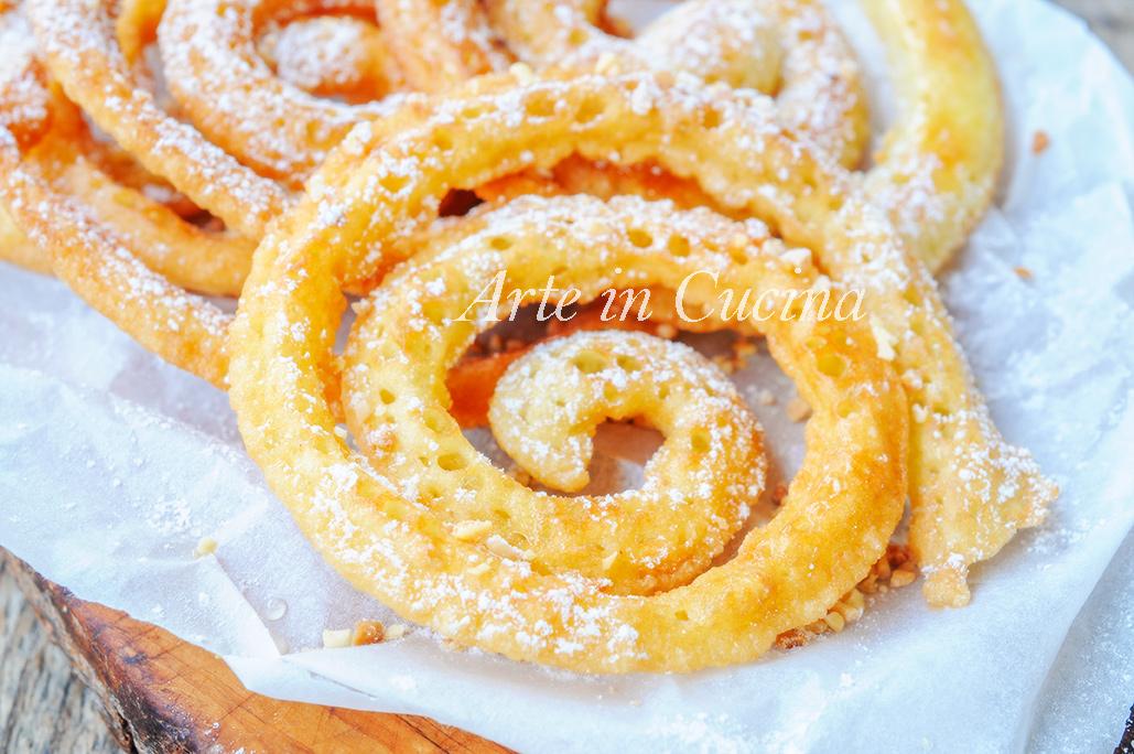 Frittelle a spirale velocissime dolci di Carnevale