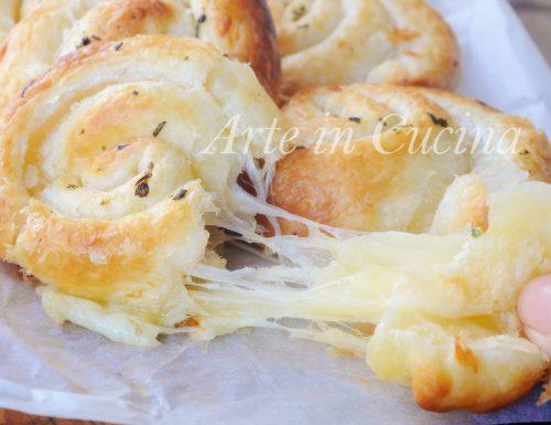 Girelle ripiene al formaggio ricetta velocissima