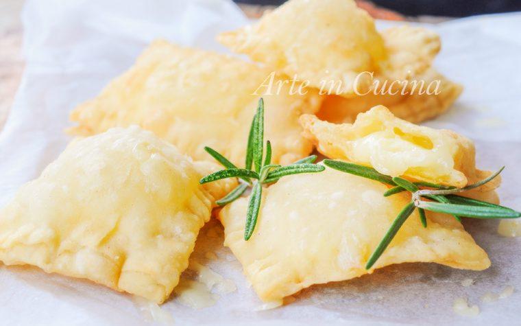 Gnocco fritto al formaggio ripieno ricetta veloce