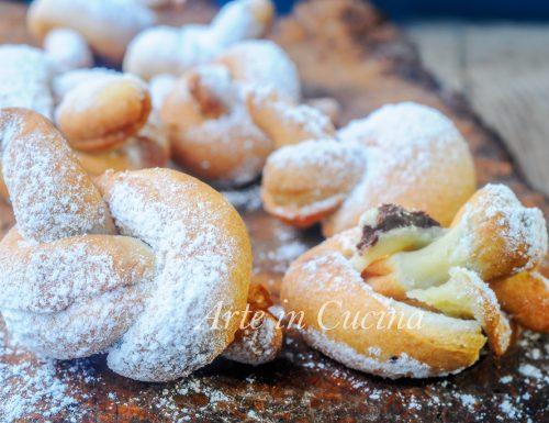 Nodini ripieni alla nutella dolci facili e veloci