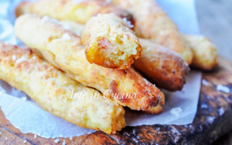 Bastoncini patate e prosciutto al forno ricetta sfiziosa