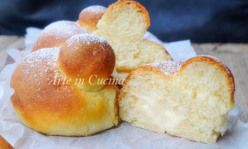 Brioche al forno con crema pasticcera al limone