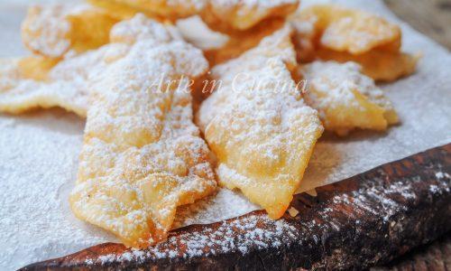 Chiacchiere al limoncello ricetta dolce veloce