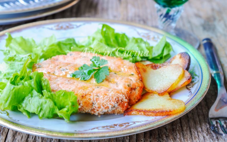 Hamburger di salmone con patate ricetta veloce