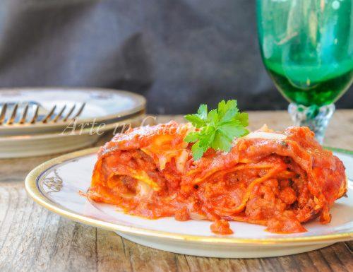 Rotolini di lasagne con macinato e prosciutto