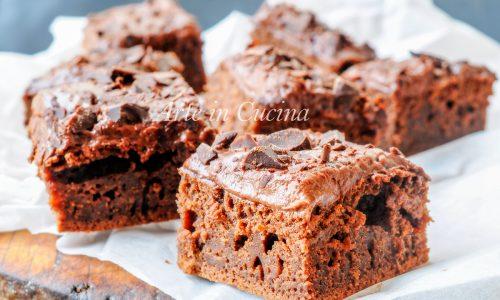 Torta leggera al cioccolato e crema senza uova