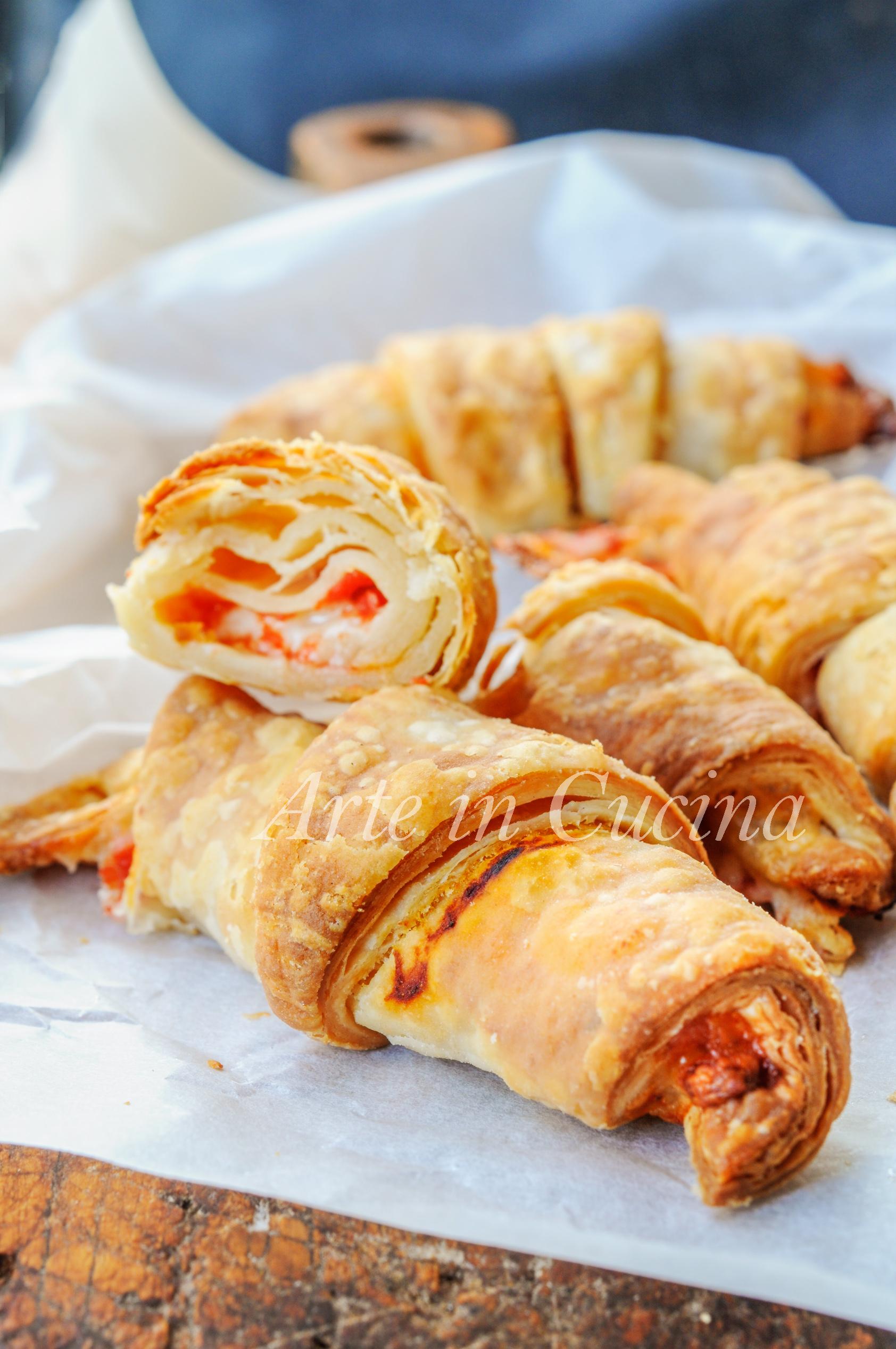 Cornetti di sfoglia veloce gusto pizza ricetta sfiziosa vickyart arte in cucina