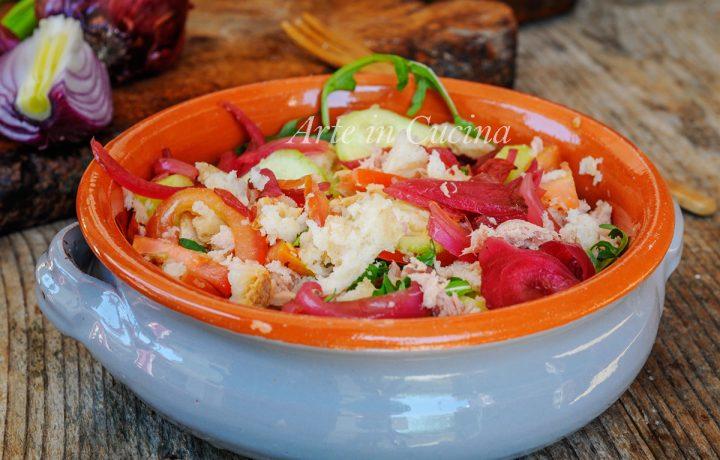 Panzanella toscana ricca facile e veloce