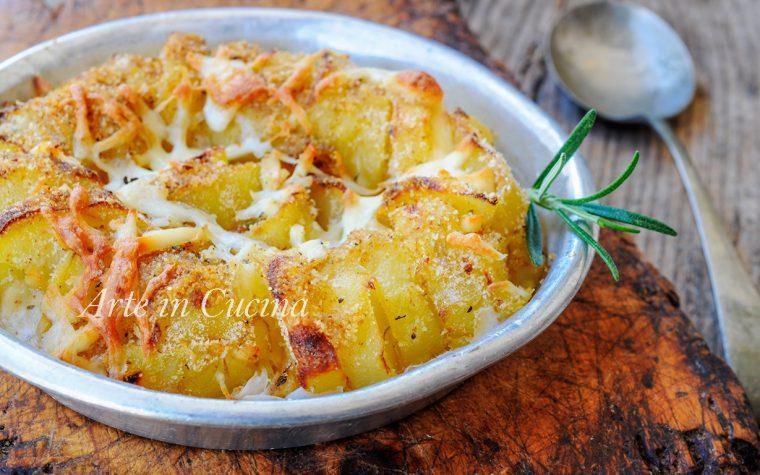 Patate e provola gratinate al forno ricetta facile