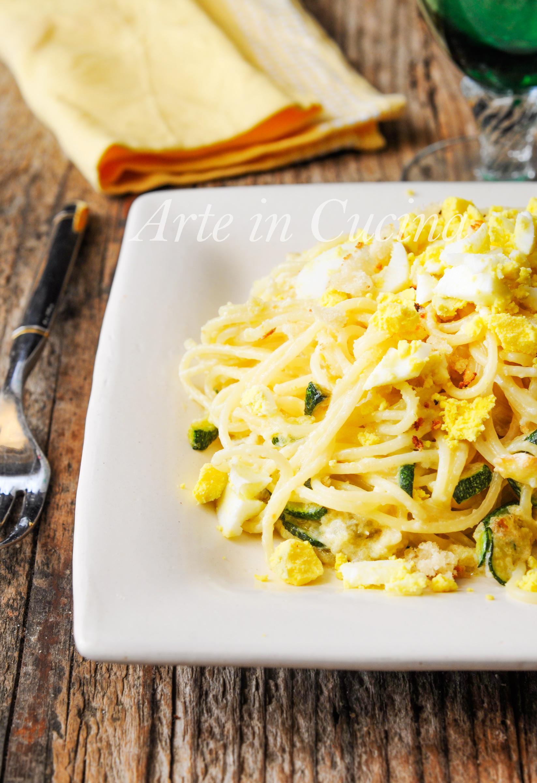 Spaghetti mimosa con mollica e zucchine ricetta veloce vickyart arte in cucina
