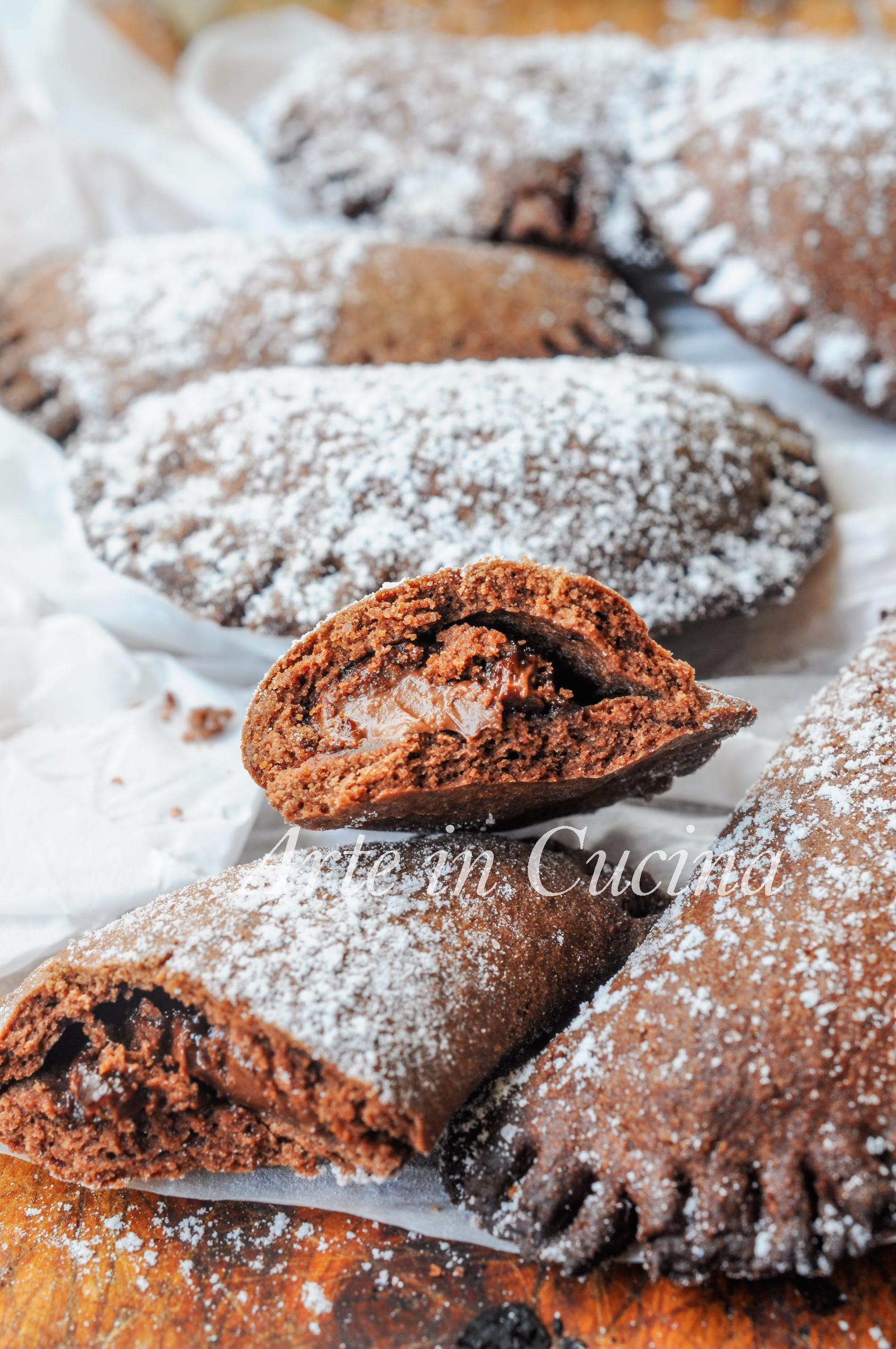 Mezzelune al cioccolato ripiene di nutella facili vickyart arte in cucina