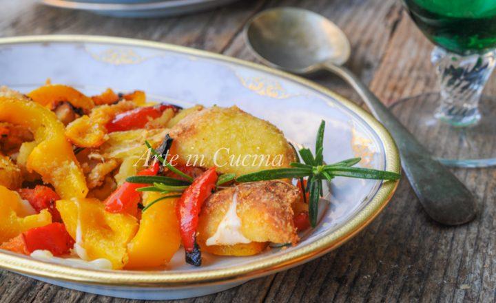Peperoni e patate gratinati al forno contorno facile