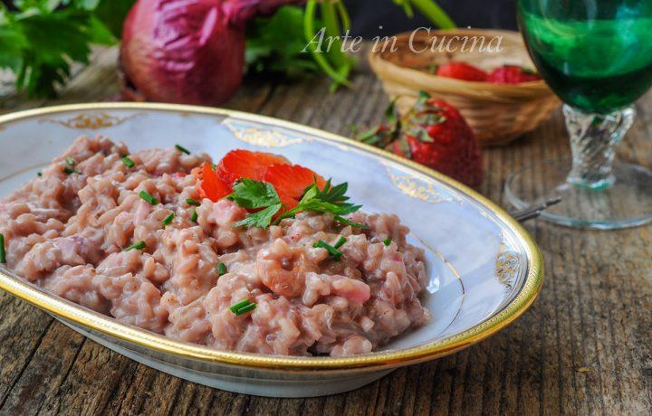 Risotto alle fragole e gamberetti ricetta veloce