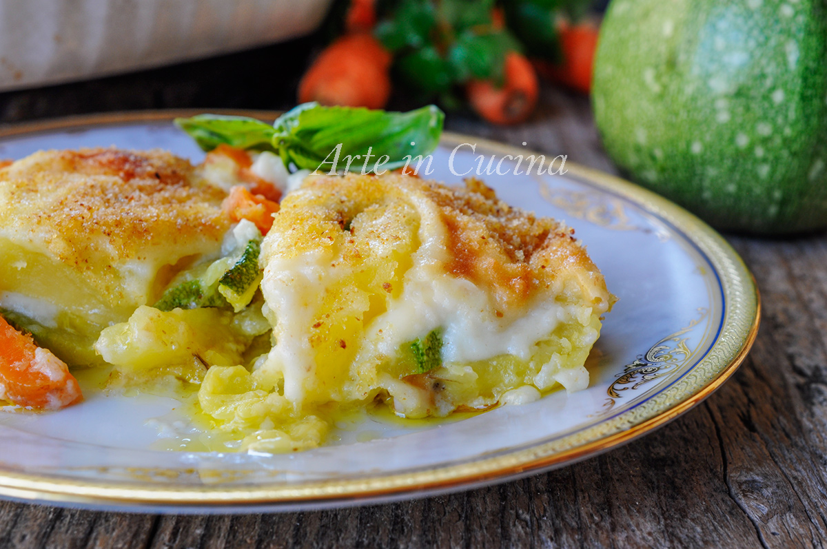 Ricetta Verdure Besciamella.Terrina Di Patate E Zucchine Gratinate Con Besciamella