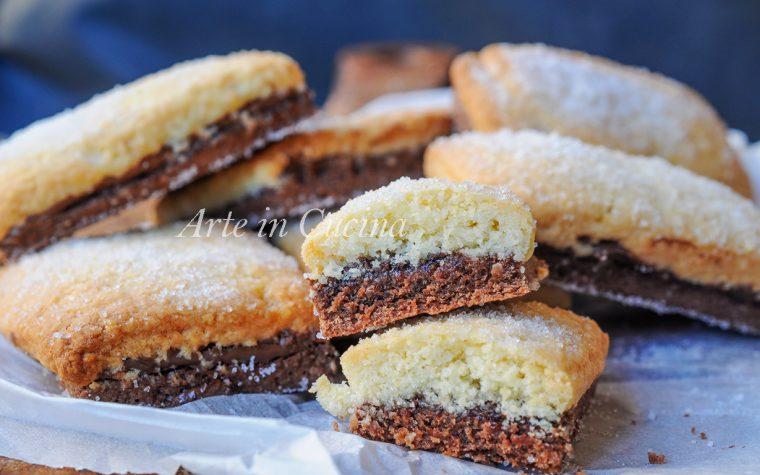 Biscottoni bicolore farciti con nutella ricetta colazione
