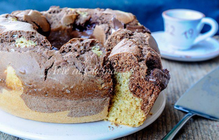 Ciambella al caffè variegata alla nutella e cacao