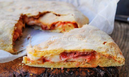 Focaccia veloce gusto pizza con prosciutto