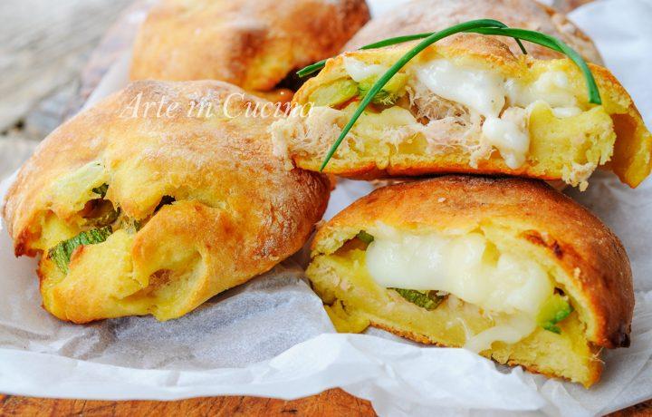 Focaccine di patate con tonno e zucchine sofficissime