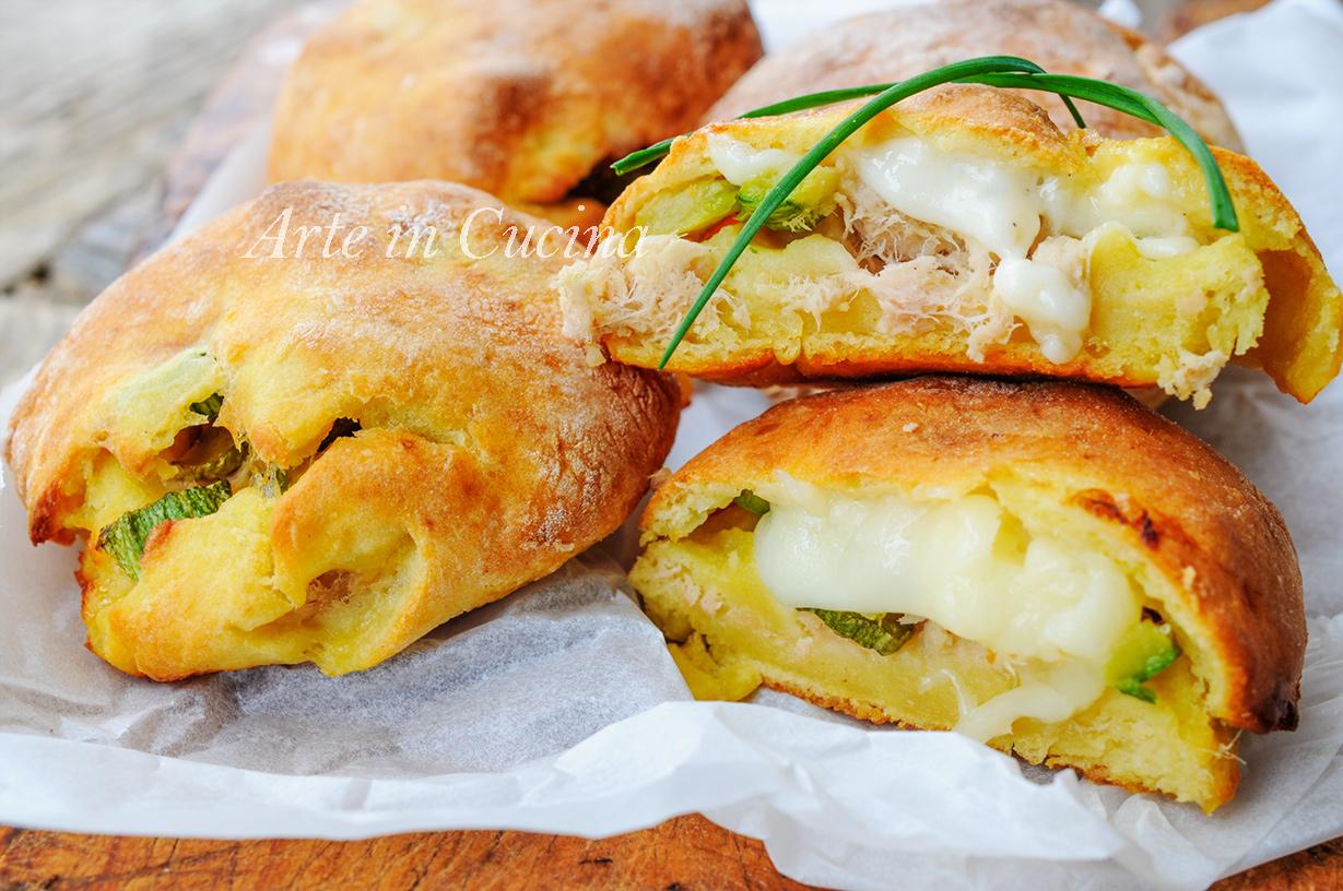 Focaccine di patate con tonno e zucchine sofficissime - Secondi piatti da cucinare in anticipo ...