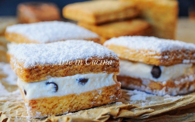 Biscotti ripieni di crema al latte ricetta veloce