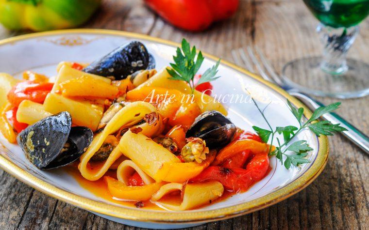 Paccheri con cozze e peperoni ricetta facile