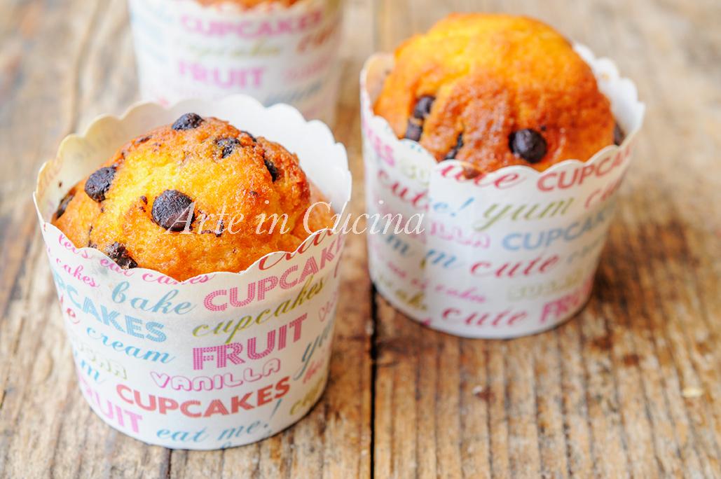 Muffin semplici con gocce di cioccolato veloci vickyart arte in cucina
