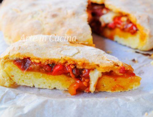 Schiacciata con peperoni e formaggio veloce