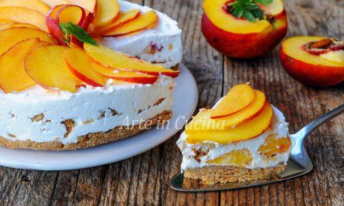 Cheesecake alle pesche e amaretti torta fredda veloce