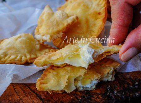 Fugasette al formaggio ricetta ligure focaccette