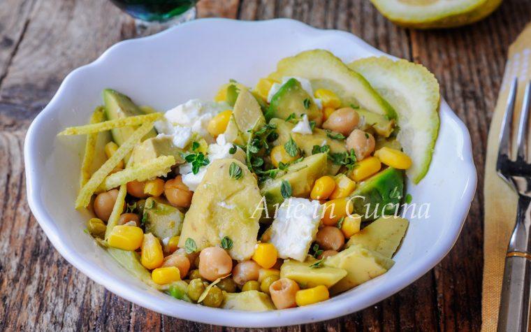 Insalata di avocado ceci e feta greca ricetta veloce