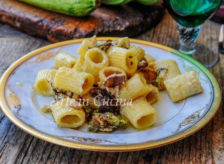 Maccheroni con zucchine fritte e ricotta ricetta veloce
