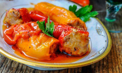 Peperoni cornetti ripieni di carne ricetta facile
