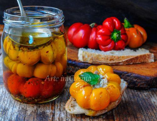 Peperoni ripieni sott'olio ricetta facile e veloce